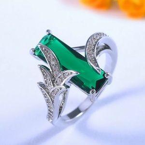 Princess Cut Emerald Silver Party Ring